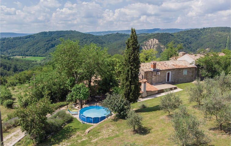 Holiday cottage with 3 bedrooms on 101m² in Skabici