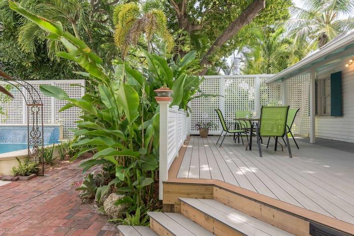 Little Palm Cottage