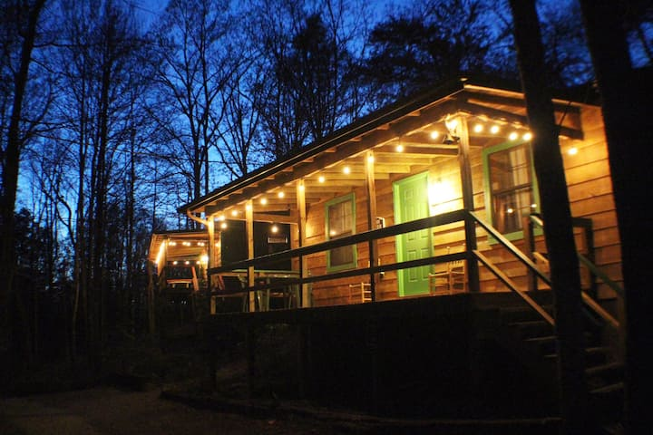 OH DEER Studio Wooded Twin Cabin HotTub TV Wifi