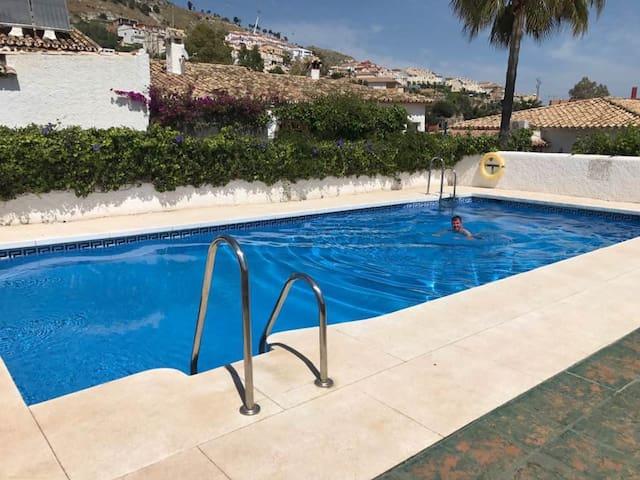 Cozy 1 bedroom apmnt, terrace and swimming pool - Benalmádena - Apartemen