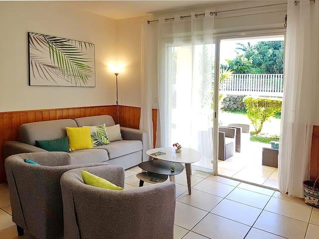 salon avec canapé lit 140 x 190