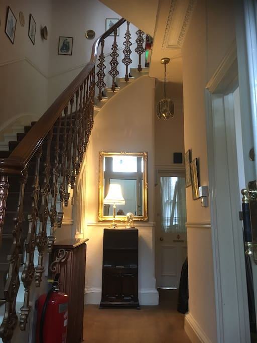 The entrance hall, a warm welcome