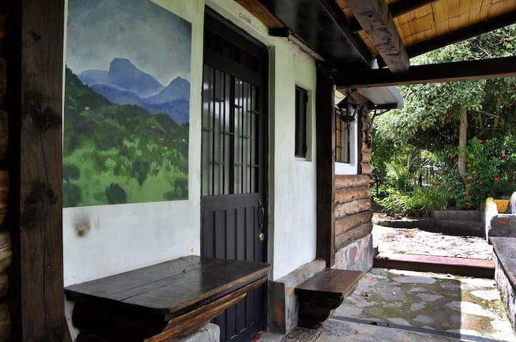 Hut with Chimney in Tabio, Rio Frio - Tabio - Hotel ekologiczny