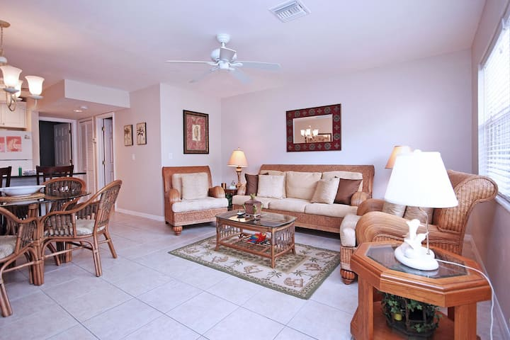 Sanibel Arms Condo, C2