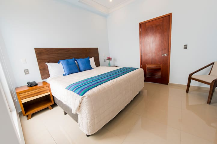 De La Parra Suites JUNIOR SUITE CAMA KING SIZE