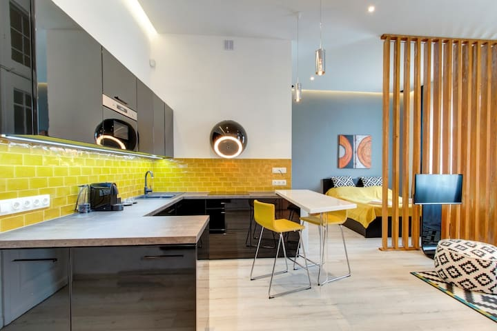 Hi5 Apartments 73 -Luxury on Andrassy and Broadway