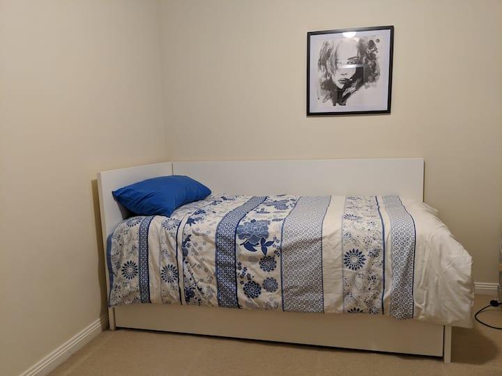 Cozy Spare room - near Yarra Valley