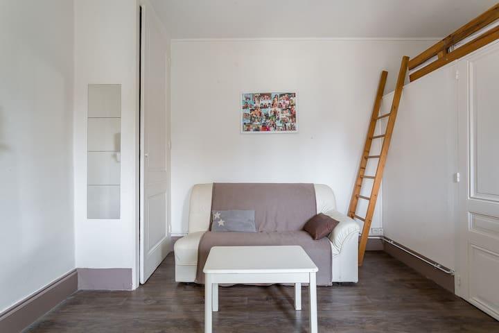 AGENCIA PRO - Estudio inteligente con cama de entrepiso - Lyon