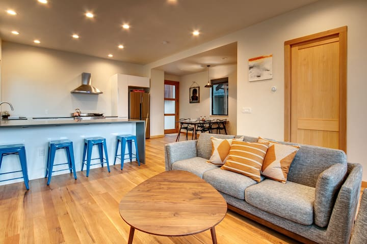 Modern Home Near Downtown and Breweries