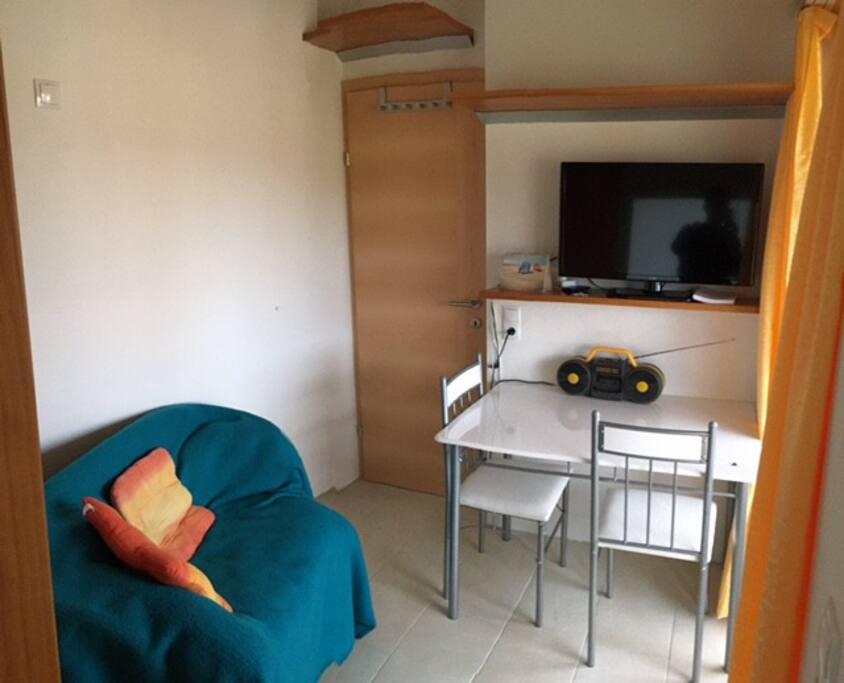 kleines zimmer f r einzelperson appartamenti in affitto a obereching salisburgo austria. Black Bedroom Furniture Sets. Home Design Ideas