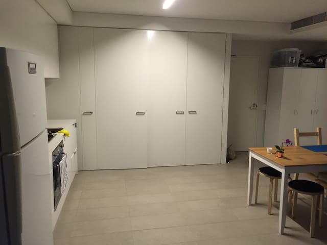 Nice and New apartment for a couple - Randwick - Apartment