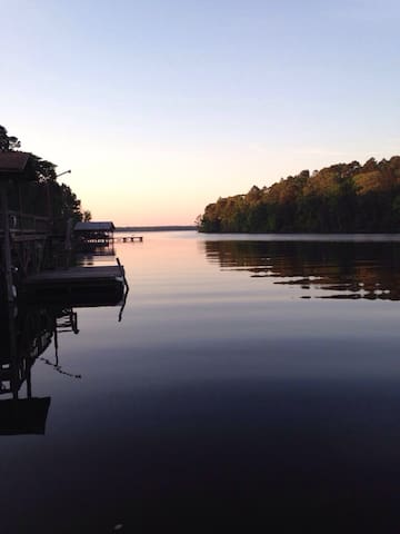 Waterfront Escape on Caney Lake
