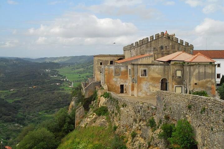 Guidebook for Quinta do Anjo