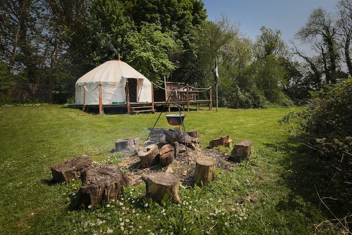 Exclusive hideaway Yurt, woodburner and campfire. - Mylor Bridge