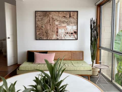 4 Bedroom Mid-Century Home with Ocean Views