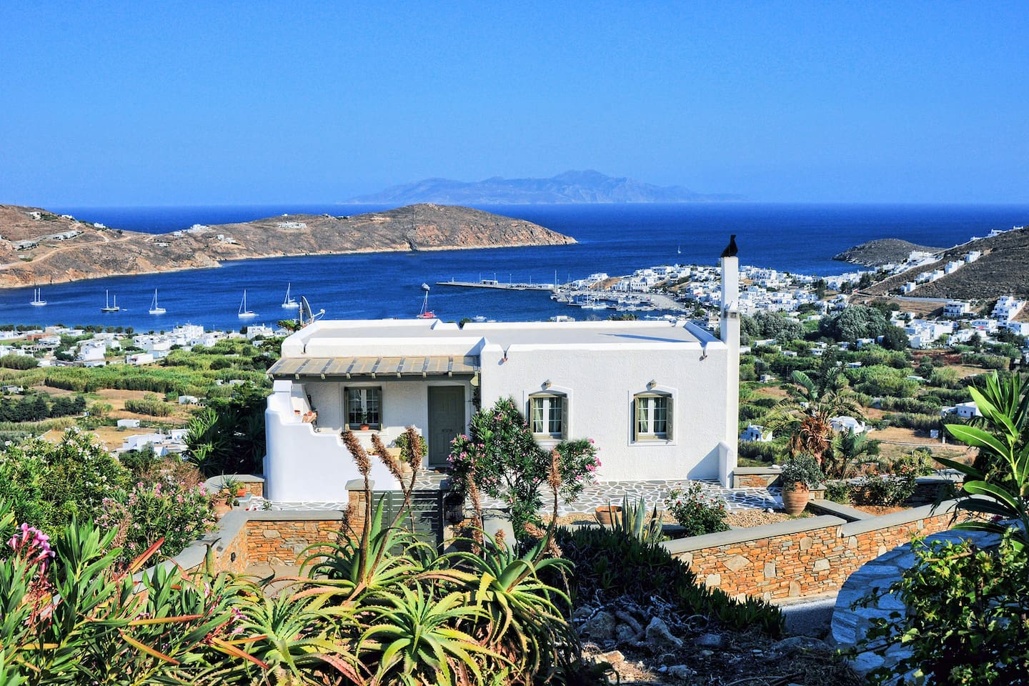the blue horizon villa, Serifos.