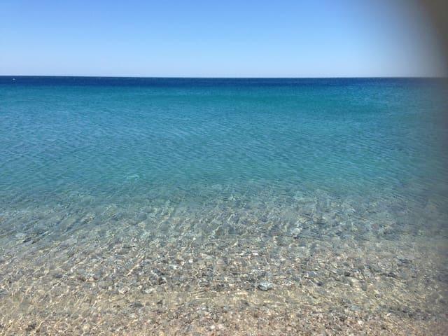 comoda villetta a 50mt dal mare - Montepaone Lido - Hus