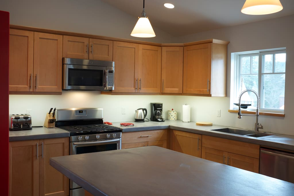 Kitchen with dishwasher and island