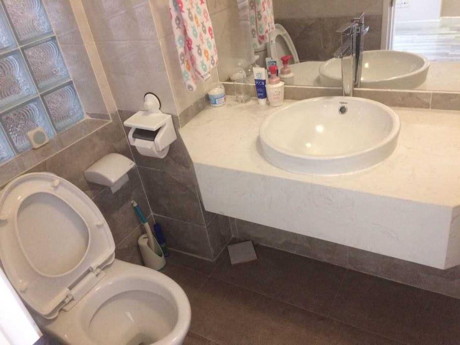 専用トイレ・洗面台