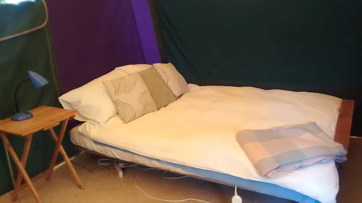 'Glamping' Homestay in Flaxmere (double room)