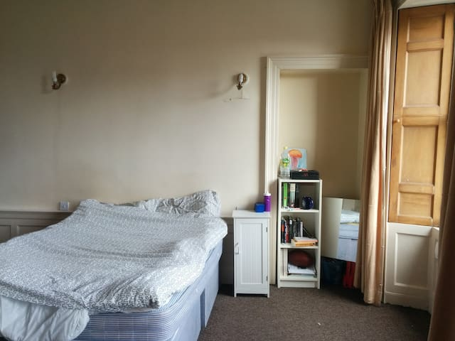Edinburgh City Centre Large Room - Edinburgh - Flat