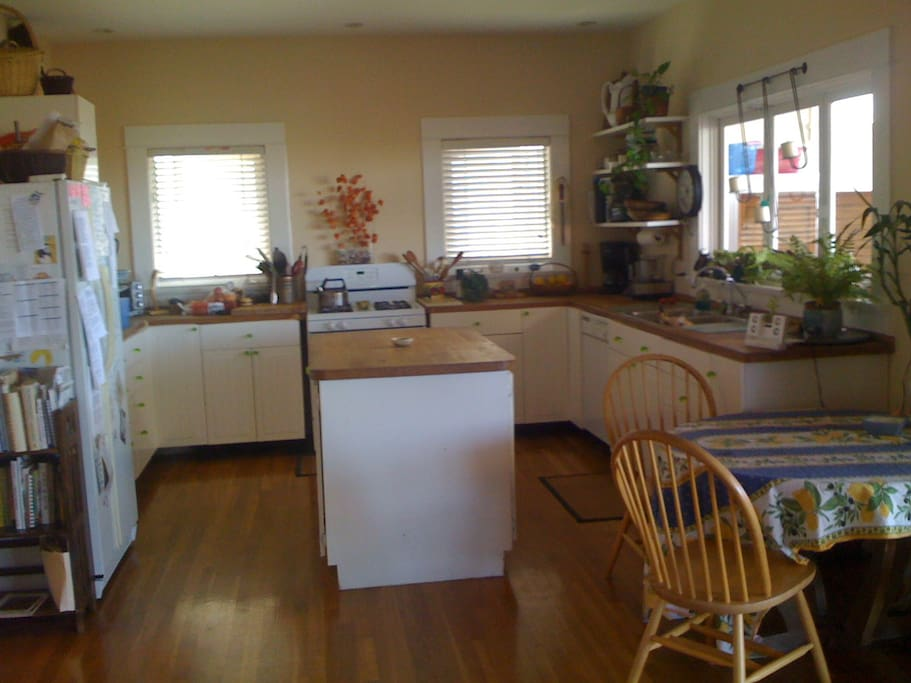 Kitchen w/ Ocean View