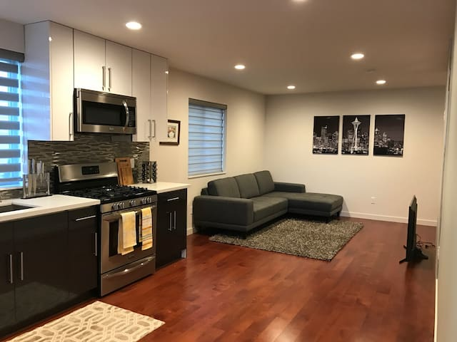 Luxury Apartment Close to Downtown
