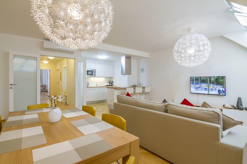 moderne neue 100m2 ferienwohnung mit balkon klima wohnungen zur miete in prag prag. Black Bedroom Furniture Sets. Home Design Ideas