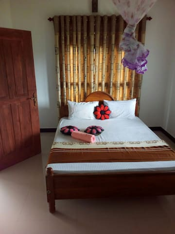 Peacock Villa Resort (Double Room)