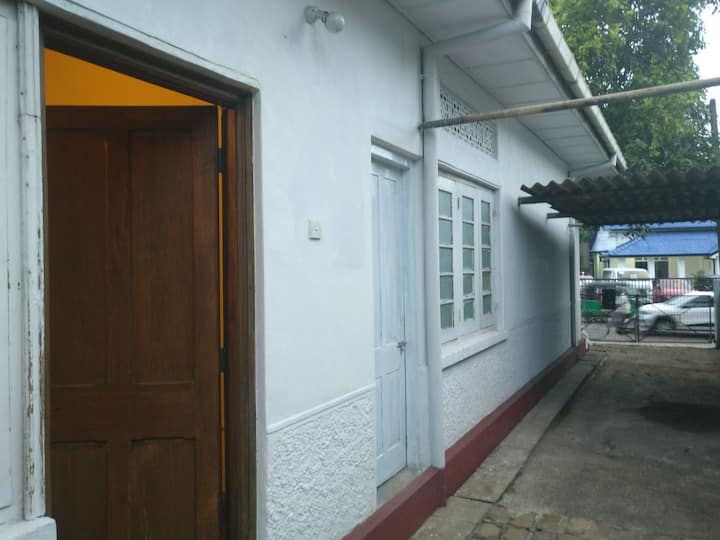 Budget place near Colombo