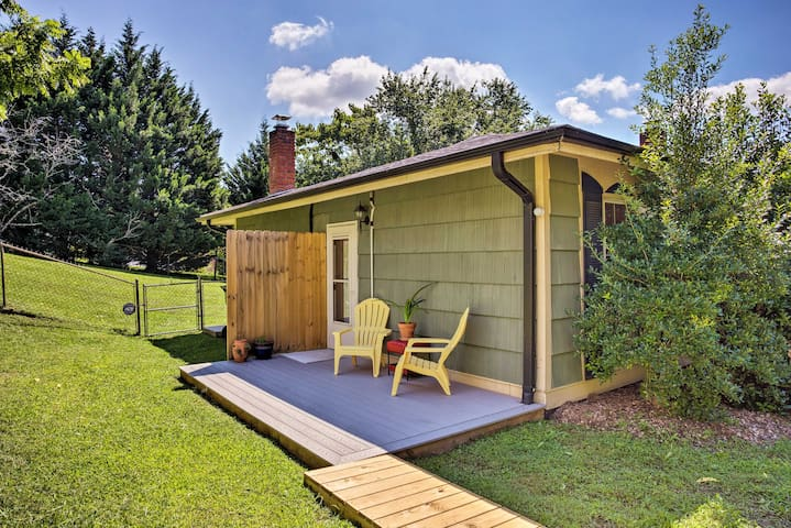 NEW! Quaint Asheville Studio - 4 Mi. to Downtown!
