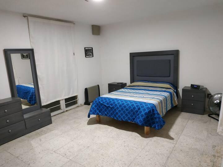 Casa con habitaciones excelentes colonia tranquila