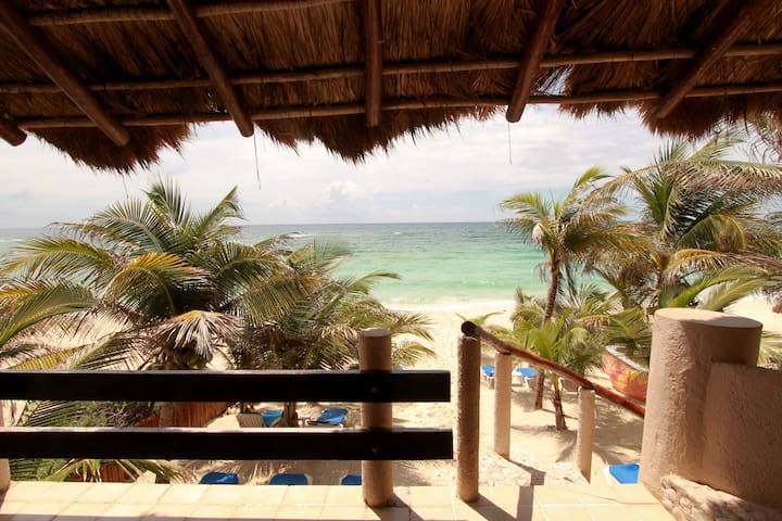 Beautiful and Cozy Beachfront Condo - Quintana Roo - Daire