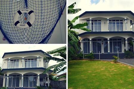 Luxury 3 Bedroom Private Villa - Souillac