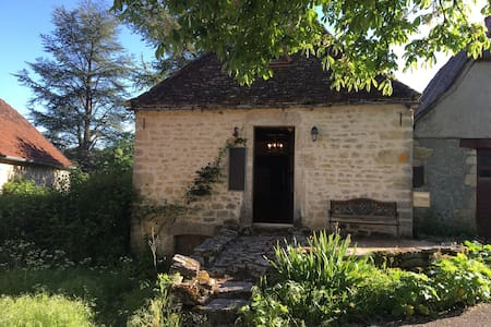 stonehouse, Caniac du Causse, in the Lot, 46240 - Rocamadour - Talo