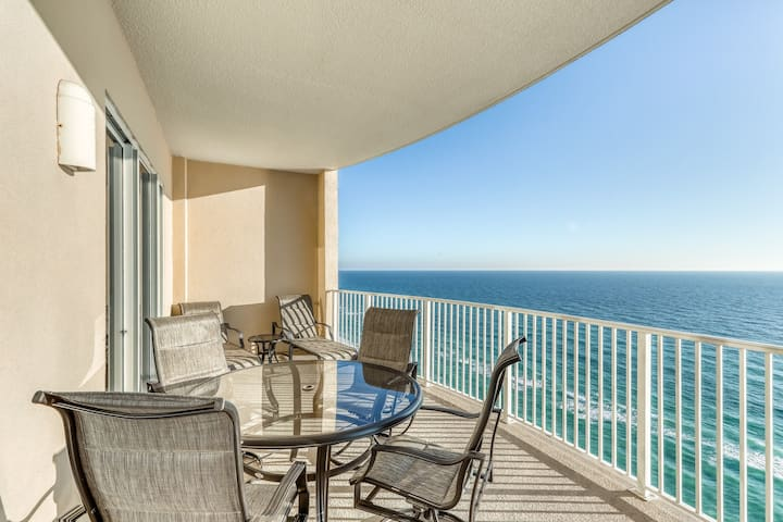 Gulf front condo w/marvelous ocean and beach views and shared pool & hot tub!