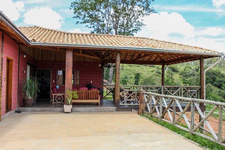 Casa de Campo Piumhi/Capitólio/Serra da Canastra