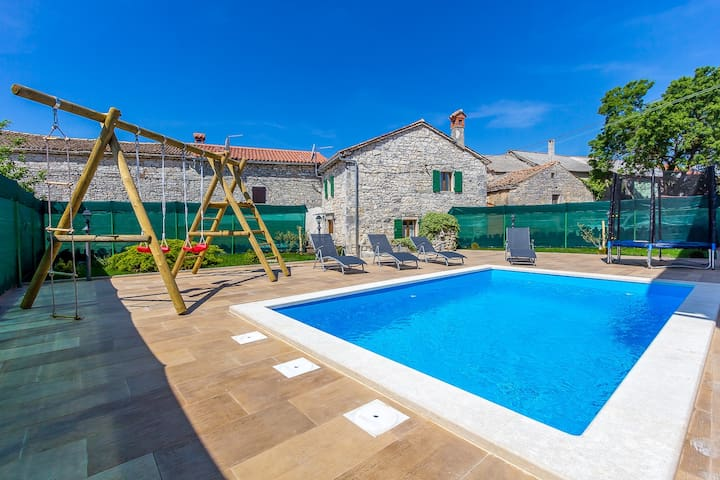 2BR viletta with private pool, WiFi, BBQ - Bibići - Villa