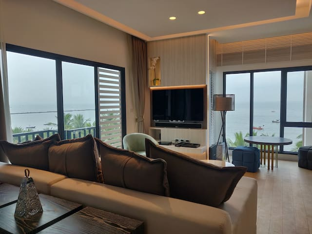 Punnaluxe beach front 2 bedroom 108 sqm.