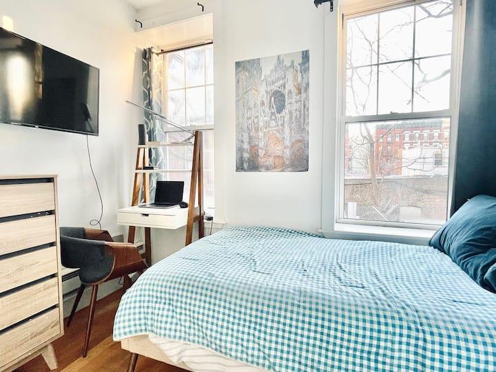 Bushwick room w/ HD TV & only 19 min to Manhattan2