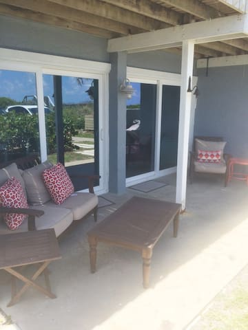 2 bd/2 ba Beachfront Getaway!! - New Smyrna Beach - Rumah