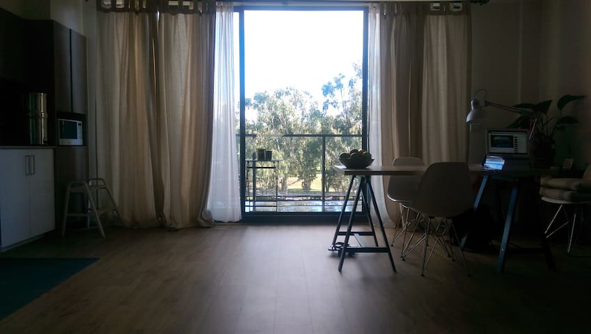 A cozy place, soooo kewl ~~ - Bundoora - Apartment