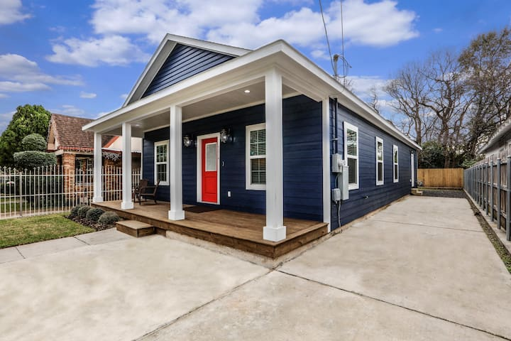 CLOSE TO DOWNTOWN New & Modern  3 bed 2 bath