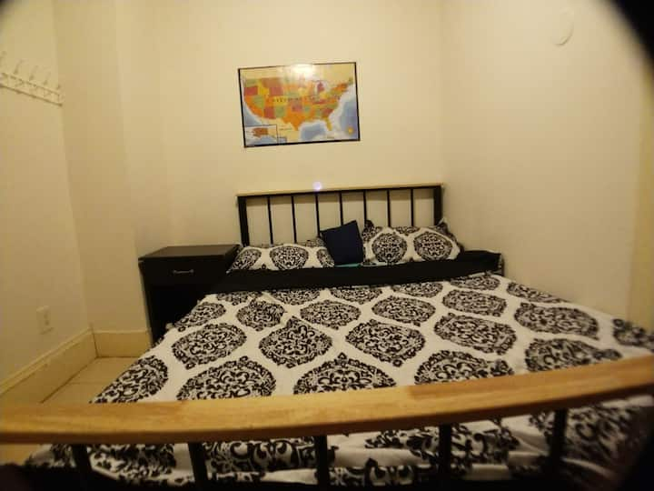 Convenient room in Central Ithaca