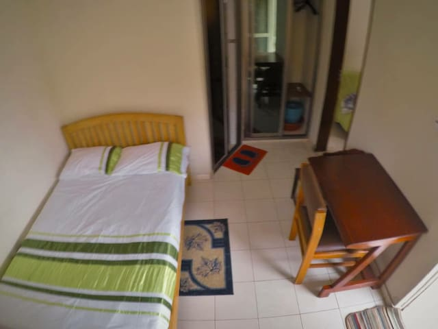 Conveniently Located Cozy & Clean Guest House