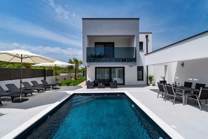 Villa Leonie - Croatia Luxury Rent