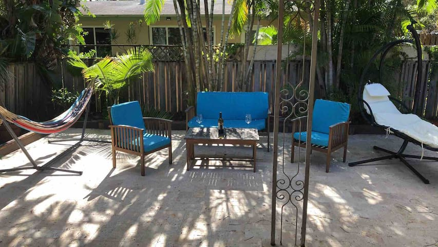 Lovely home in Wilton Manors ***** close to all!