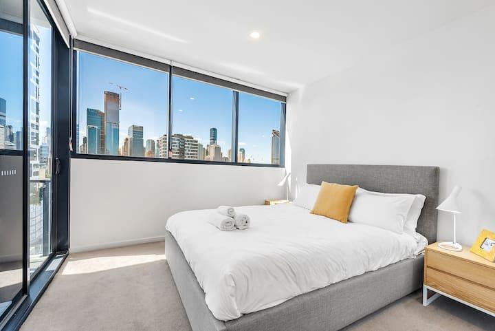 Breathtaking Views & Brisbane's Best Location!