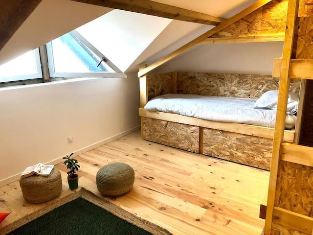 Chambre 3 - six lits 80x200– SdB et Toilettes privatifs