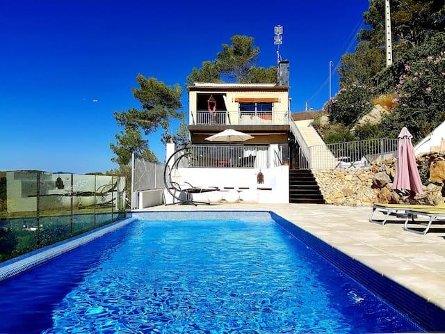 Beautiful villa near Sitges and Bcn